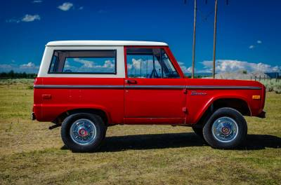 Legacy Classic Trucks Inventory - 1974 Ford Bronco - Original - Image 5