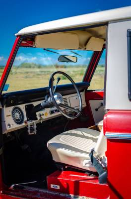 Legacy Classic Trucks Inventory - 1974 Ford Bronco - Original - Image 92